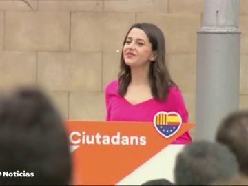 """Arrimadas, en un acto en Cataluña: """"El que vote al PSOE que sepa que su voto puede acabar en un tripartito con ERC y Podemos"""""""