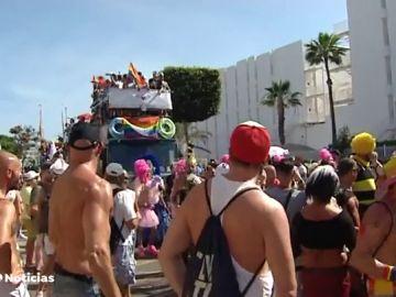 Un Orgullo sin etiquetas desfila en Gran Canaria en desfile multitudinario