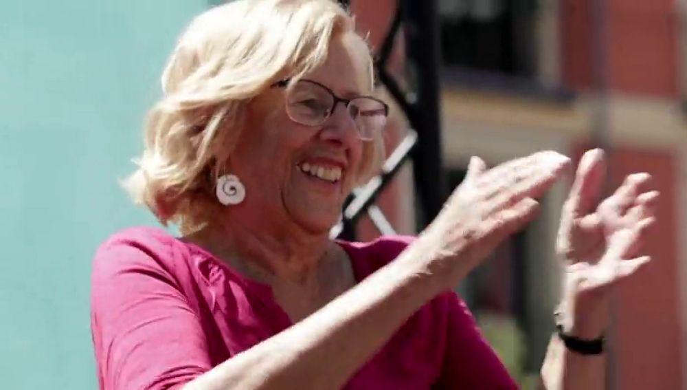 Carmena baila al ritmo de 'I will survive' en un acto de campaña en Madrid