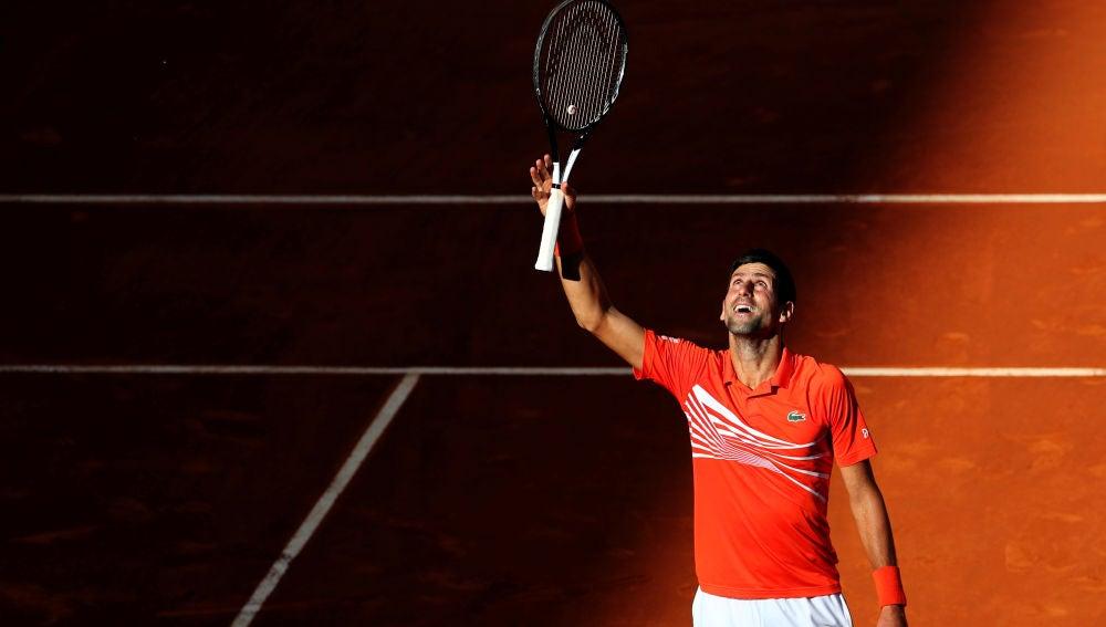 Novak Djokovic celebra su pase a la final del Masters de Madrid