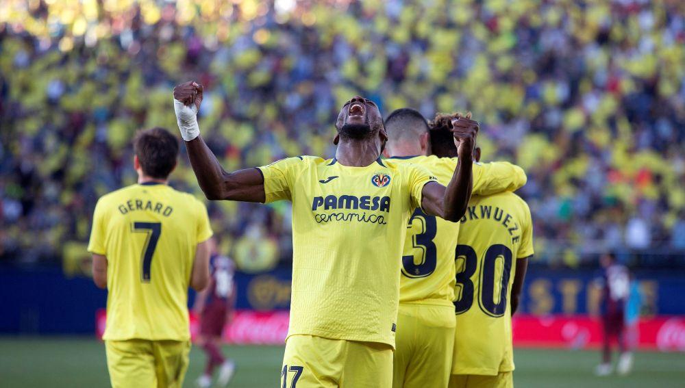 El Villarreal celebra la victoria ante el Eibar