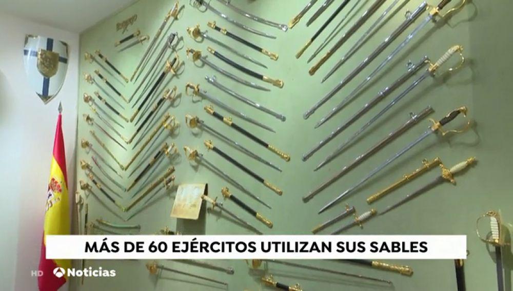 Más de 60 ejércitos de todo el mundo llevan el símbolo de Toledo en sus sables y espadas