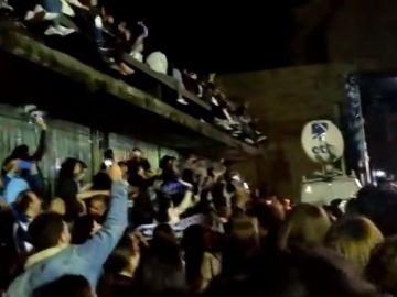 La celebración de la afición de la Real Sociedad de su primera Copa de la Reina