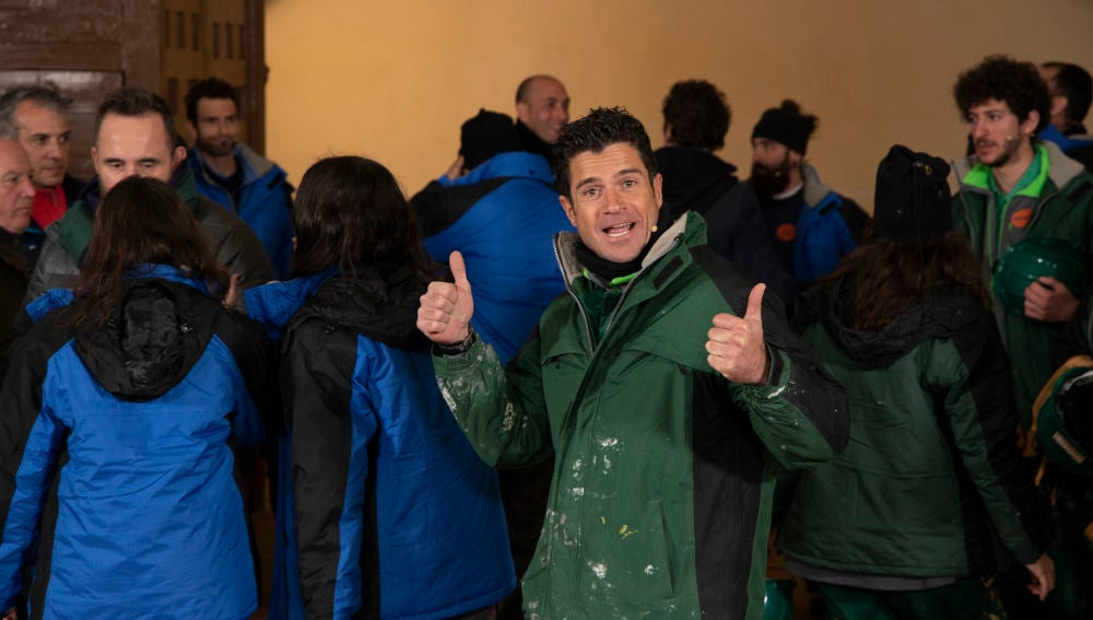 El equipo verde festeja el triunfo ante la soberbia del equipo azul