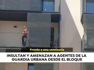 Más de 40 menores y delincuentes con antecedentes okupan un edificio en Barcelona