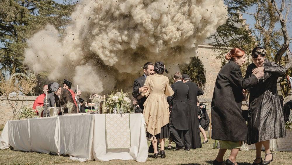 Nueva tragedia en Puente Viejo: una bomba explota el banquete de la boda de Fernando y María Elena