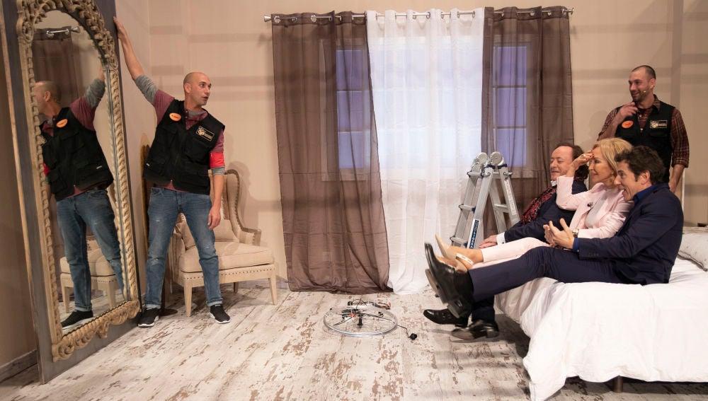 El espejo erótico-festivo de Iván y Albert que conquista a Carmen Lomana