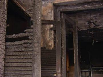 Una herida y más de 20 desalojados en el incendio de un edificio en Berja