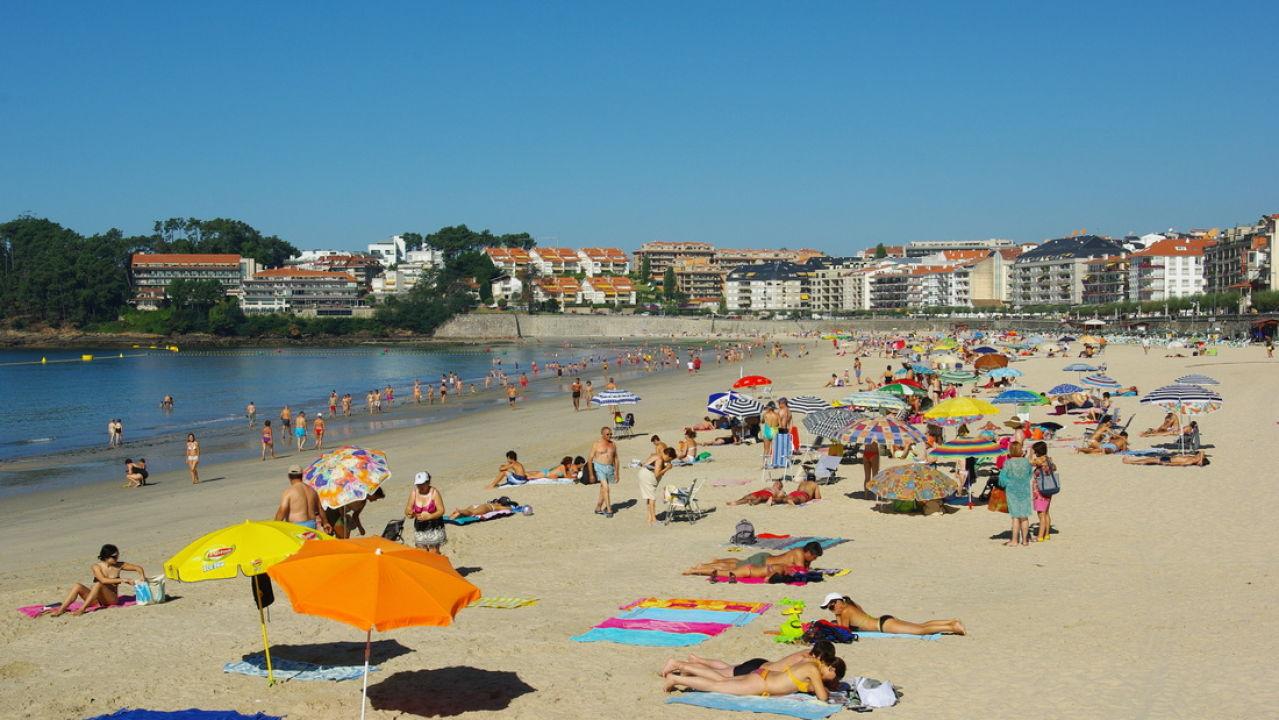 Sanxenxo Prohíbe Comer Y Jugar A La Pelota En La Playa Por