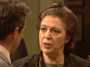 Francisca se enfrenta a Carmelo, no va a permitir que esté al frente de la investigación