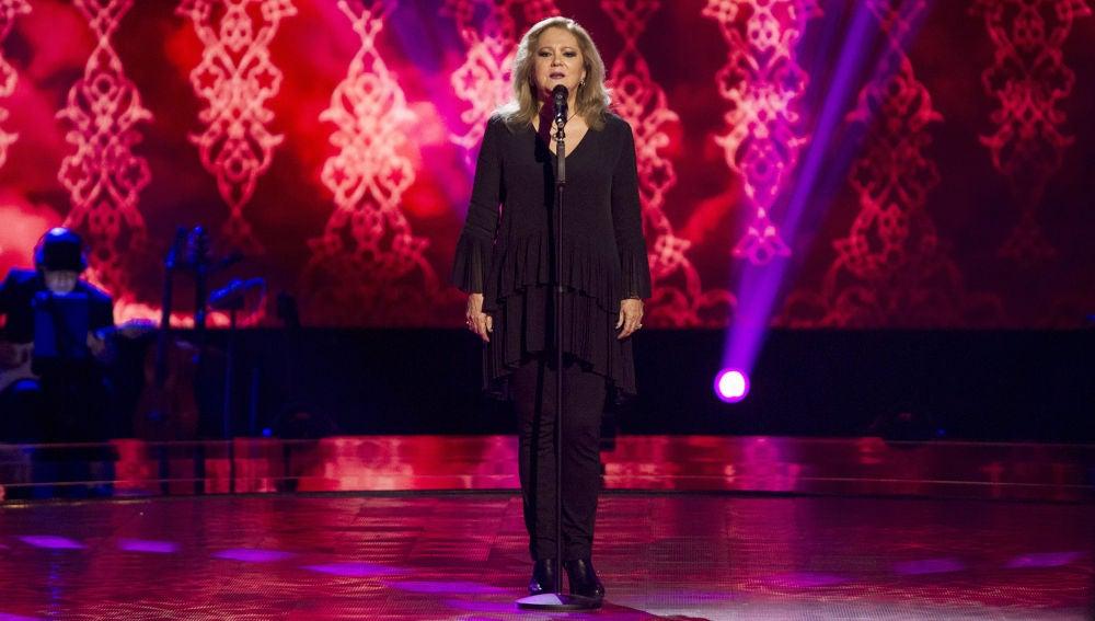 Blanca Villa canta 'Se nos rompió el amor' en las Audiciones a ciegas de 'La Voz Senior'