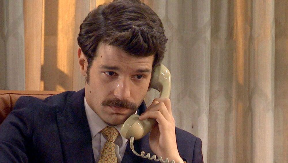 Carlos se derrumba al hablar con Mónica