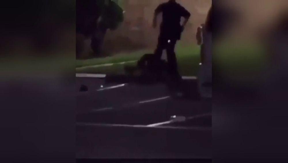 Un policía en Texas dispara y mata a una mujer que gritó que estaba embarazada