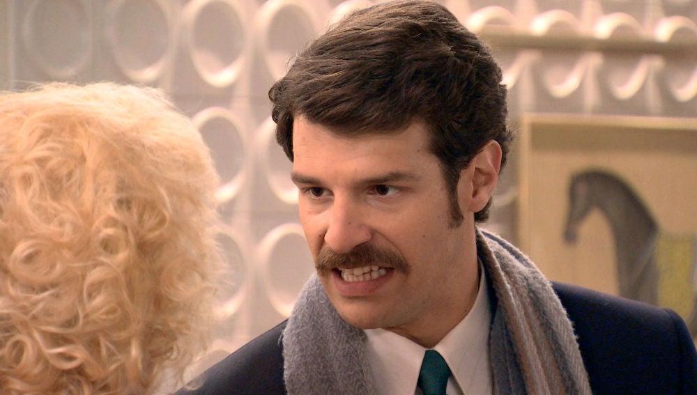 Carlos se enfrenta a Ascensión, decidido a contarle a Mónica toda la verdad