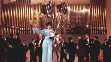 Salomé tras ganar en 'Eurovisión' en 1969