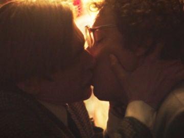 La atracción entre Chimo e Ignacio se confirma con un intenso beso