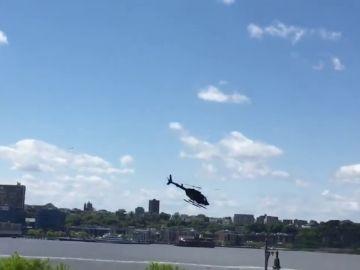 Helicóptero que cae al río Hudson