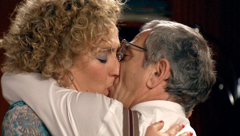 Silvia se declara a Quintero