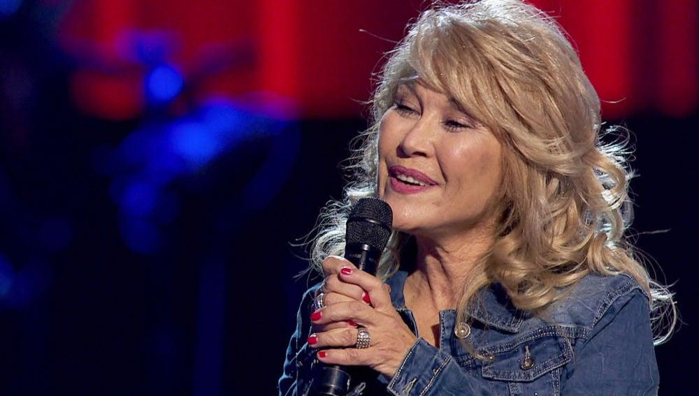 Helena Bianco canta su primer éxito del pasado: 'Supercalifragilisticoespialidoso'