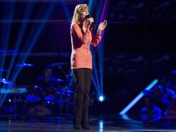 Andrea Bronston canta 'Runaway' de las Audiciones a ciegas de 'La Voz Senior'