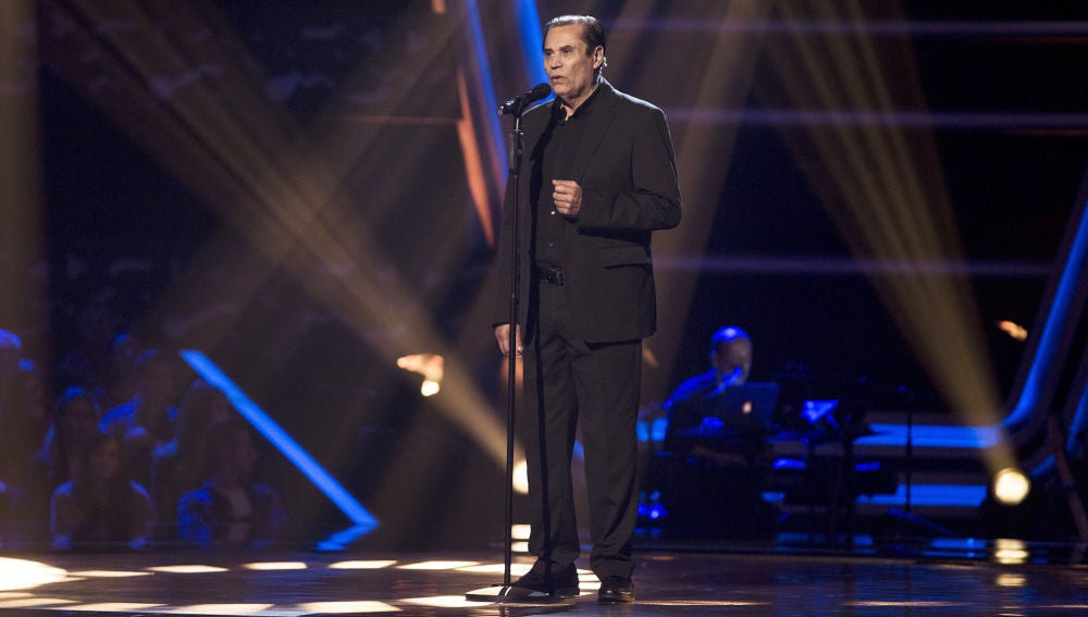 Ricardo Rubén Araya canta 'Caruso' en las Audiciones a ciegas de 'La Voz Senior'