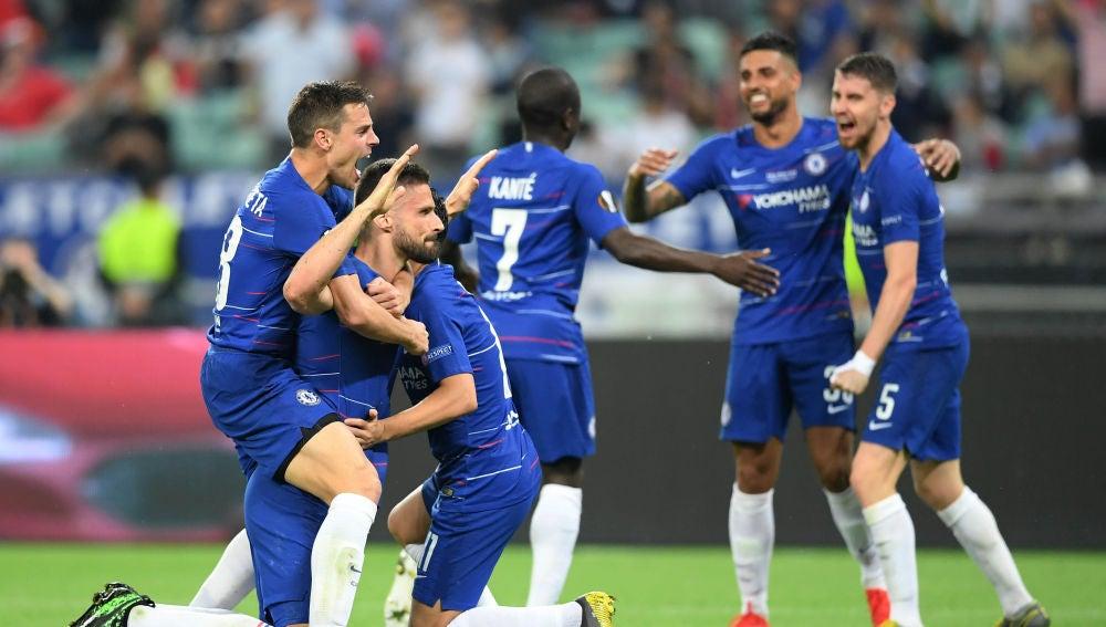 Los jugadores del Chelsea celebran un gol