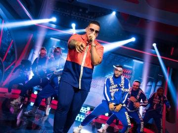 Daddy Yankee llena el plató de 'El Hormiguero 3.0' de ritmo con su single 'Con calma'