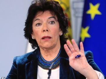 La ministra de Educación y portavoz del Gobierno en funciones, Isabel Celaá,