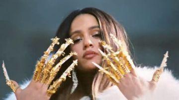 El artista neoyorkino que se esconde tras las uñas postizas del último videoclip de Rosalía