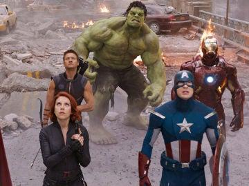 Los Vengadores originales: Iron Man, Capitán América, Vuida Negra, Thor, Hulk y Ojo de Halcón
