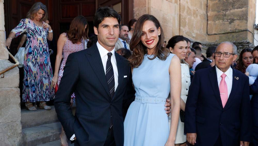 Cayetano Rivera y Eva González en el bautizo de su hijo