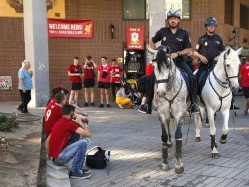 La Policía, a caballo antes de la final