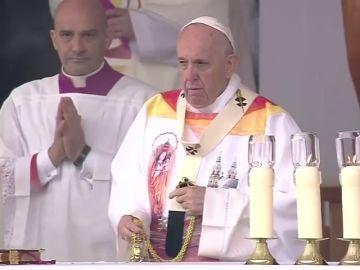 El Papa Francisco anima a los fieles católicos a profesar su fe y a fomentar el entendimiento