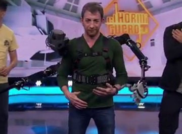 Pablo Motos muestra la tecnología de las cuatro manos que no se vio en televisión