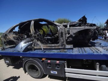 Imagen que muestra el vehículo en el que viajaba el futbolista Antonio Reyes tras el accidente