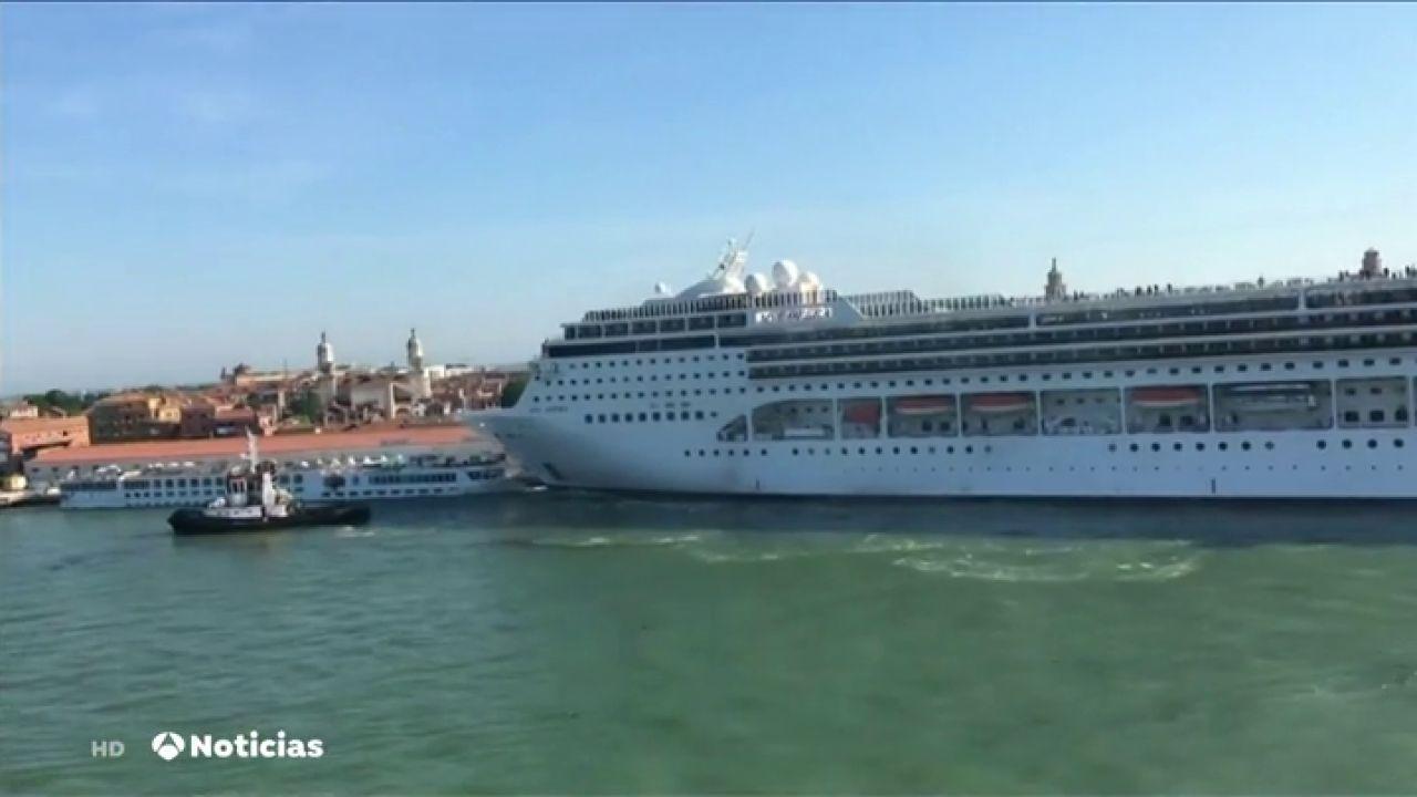 Nuevas Imágenes Del Accidente Ente Un Crucero Y Una