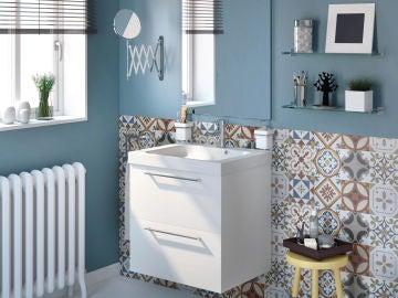 ¿Qué quieres guardar en el baño? los muebles son una de las claves