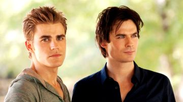 Stefan y Damon Salvatore en 'Crónicas Vampíricas'