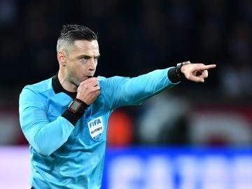 Skomina, durante un partido de la Champions League