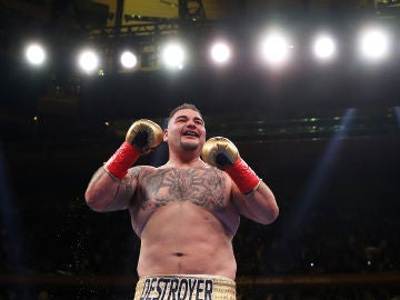Andy Ruiz celebra su victoria sobre Joshua
