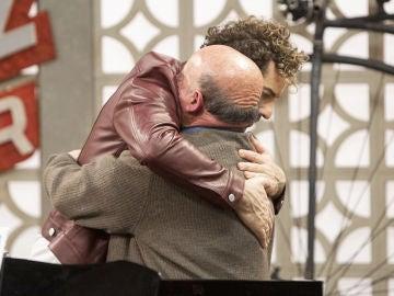El duro ensayo de Fernando Cejalvo, muy afónico antes de su actuación en 'La Voz Senior'