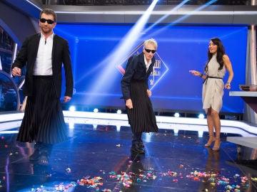 Pilar Rubio viste a Pablo Motos y Enrique San Francisco en 'El Hormiguero 30' con las últimas tendencias de moda