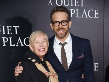 Ryan Reynolds y su madre, Tammy