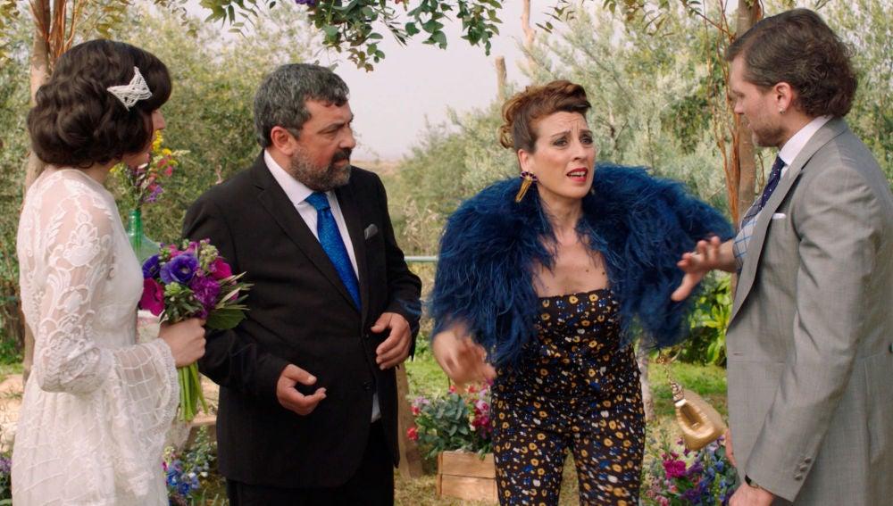 Epi oficia la interrumpida ceremonia de boda de Irene y Jozé