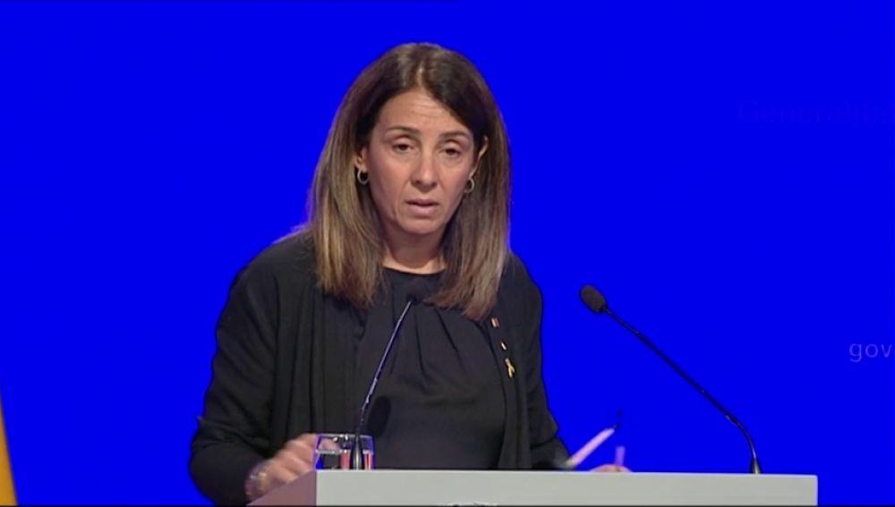 La portavoz de la Generalitat se niega a responder en castellano preguntas que no le hayan hecho en catalán