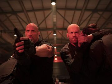 Dwayne Johnson y Jason Statham en 'Hobbs and Shaw'