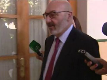 Juanma Moreno intenta salvar los presupuestos que puede tumbar Vox