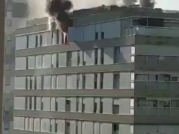 Vídeo del incendio en un bloque de pisos de Terrassa