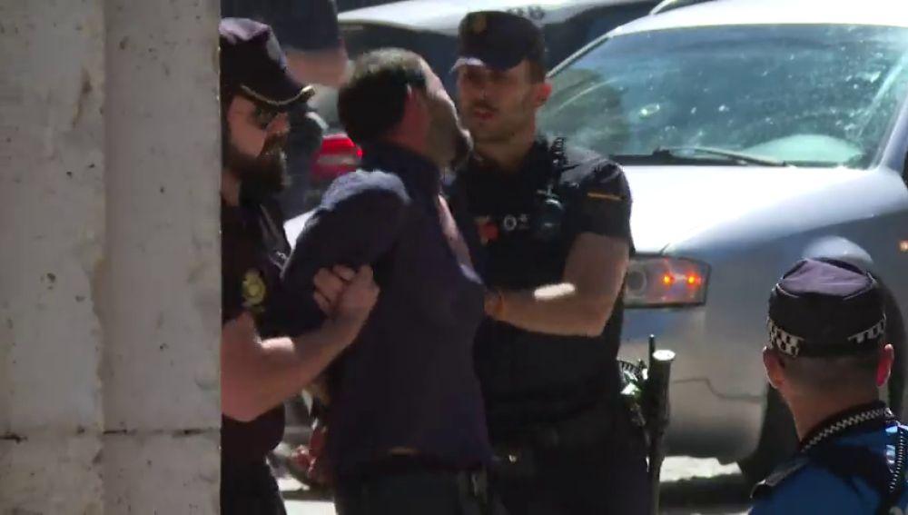 Incidentes en el pase a disposición judicial del detenido por asesinar a dos mujeres en Aranjuez