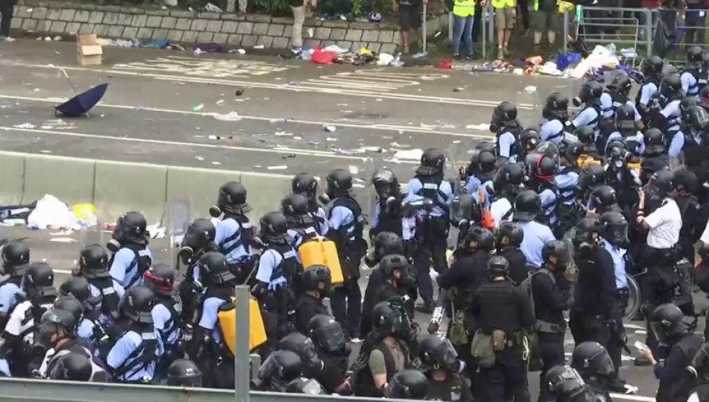 Así han tratado las autoridades de disolver de Hong Kong a los manifestantes